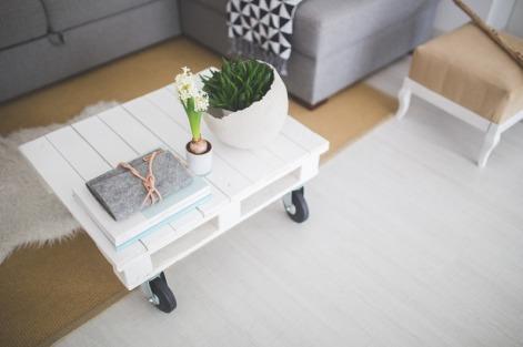 canva-little-white-coffee-table-madgyfjvefy